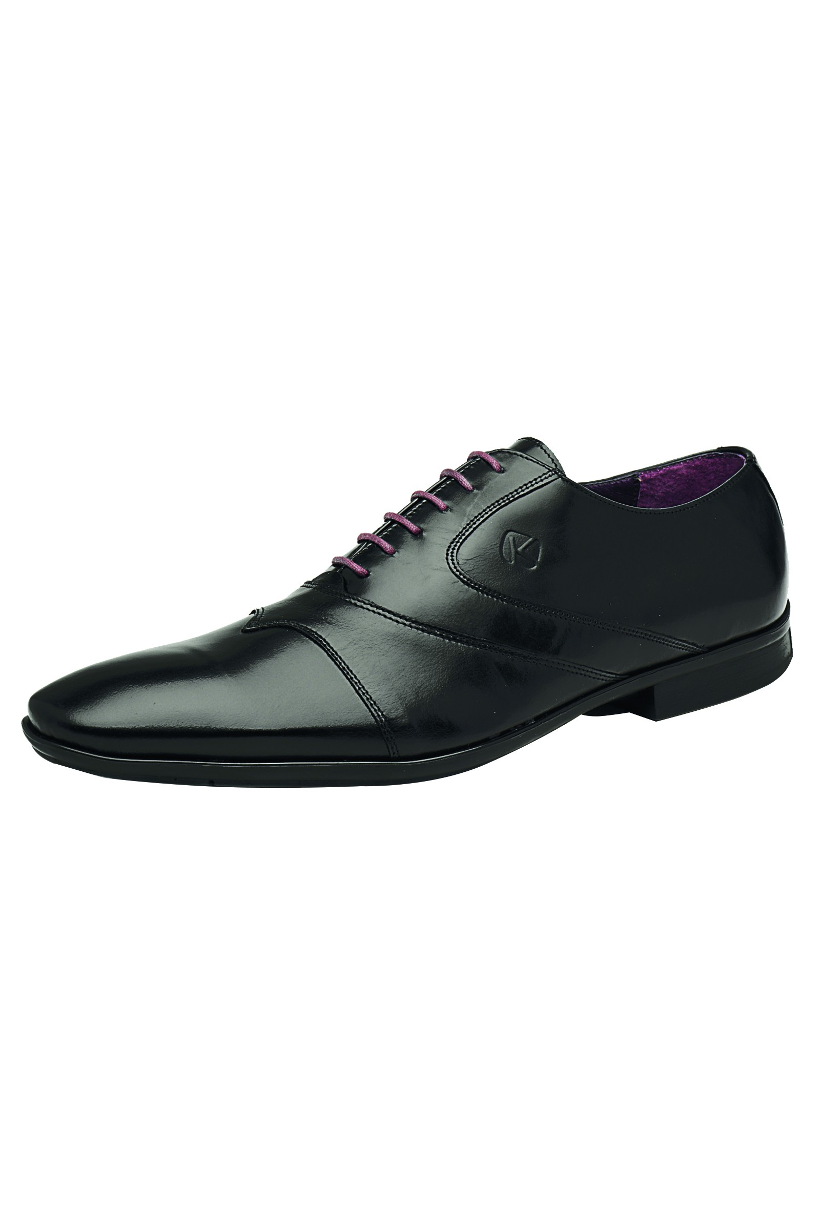 Chaussures addiction : Tous les conseils pour trouver une paire de chaussures facilement