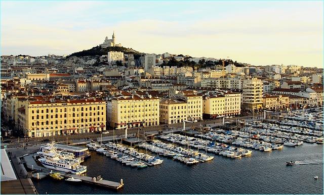 Quels profils pour la formation Revit à Marseille